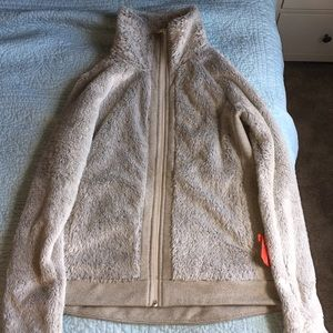 Grey north face fleece jacket. Excepting offers !